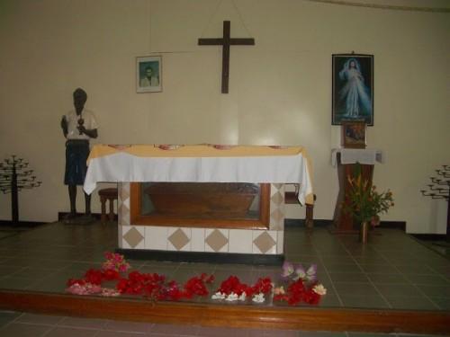 Sepulcro del Beato en Rakunai, Papúa Nueva Guinea.