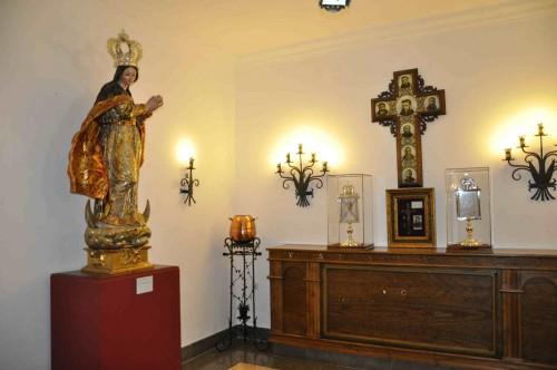 Sepulcro de los mártires en el convento capuchino de Antequera (España).