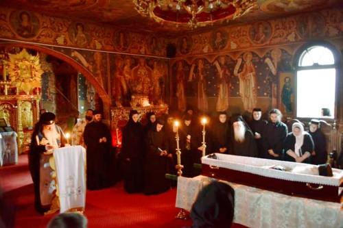 Funerales del padre Iustin Pârvu, el 17 de junio de 2013.
