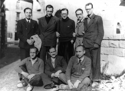 Fotografía del Santo y algunos compañeros durante la travesía por los Pirineos.