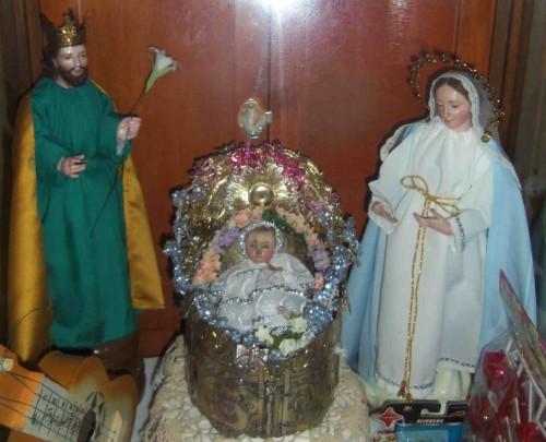 Imagen del Santo Niño en un Belén. Portería del convento de las Clarisas en Atlixco, Puebla (México).