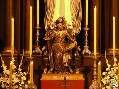 Escultura de San Gregorio de Osset en la parroquia de Alcalá del Río (Sevilla).