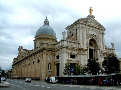 Basílica de Nuestra Señora de los Ángeles en Asís, Italia.