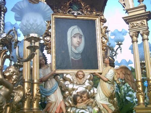 Detalle de la Virgen de la Estrella, patrona de Gilet, Valencia (España).