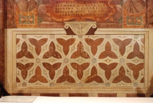 Detalle del sepulcro de la Santa. Basílica de Santa Clara, Asís (Italia). Fuente: http://www.assisisantachiara.it/