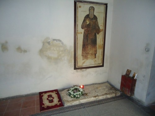 Tumba del santo en Kolikontasi, Albania.