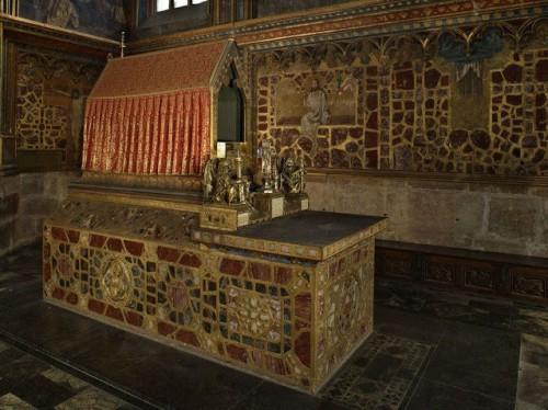 Tumba del santo en la catedral de Praga.
