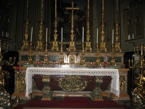 Urna de los Santos. Basílica de San Eustaquio, Roma (Italia).