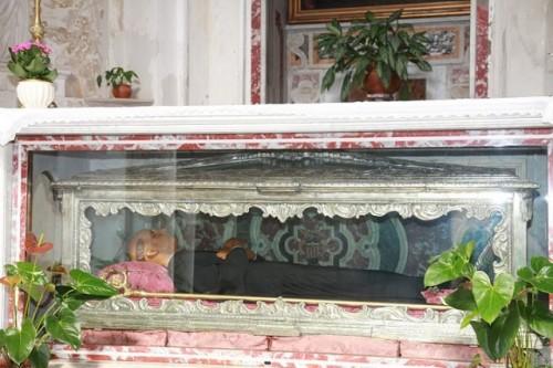 Urna con las reliquias atribuidas, erróneamente, a San Plácido. Iglesia de San Juan Bautista, Messina (Italia).