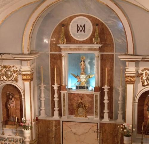 Altar de la patrona en la iglesia parroquial. Oropesa del Mar, Castellón (España).