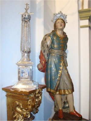 Imagen y relicario del Santo. Iglesia-seminario de San Pelayo, Córdoba (España).