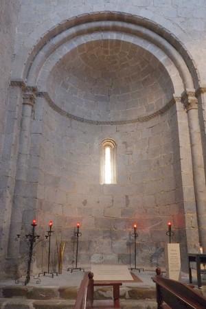 Tumba de los beatos en la cripta de la catedral de Urgell (España).