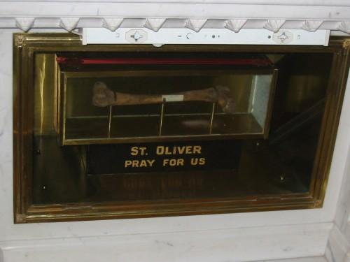 Reliquias del Santo en Loughcrew, Oldcastle, Irlanda.