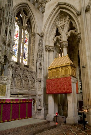 Reliquias del Santo en Downside Abbey, Somerset, Reino Unido.