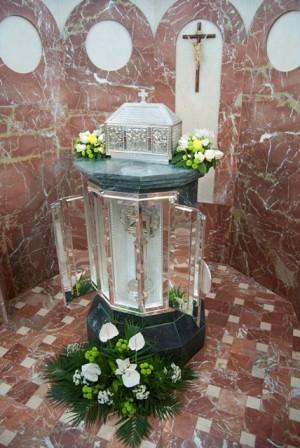 Relicario del Santo en su casa natal.
