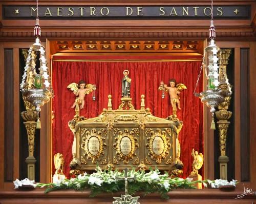 Urna de las reliquias del Santo en Montilla (España).