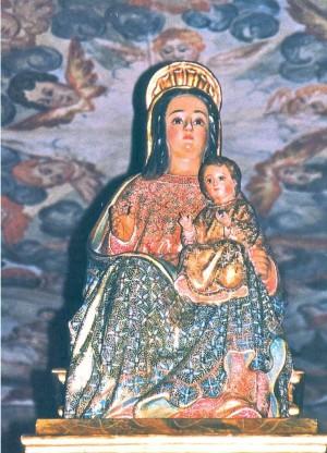 Vista de la imagen de la Virgen de Belén venerada en la ermita de Liétor.