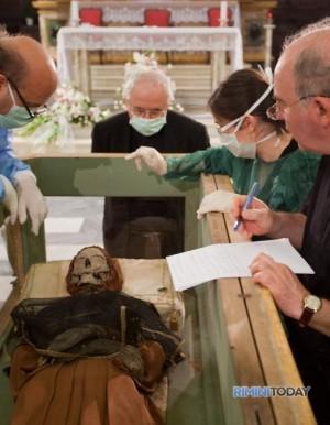 Último reconocimiento de los restos del Santo.
