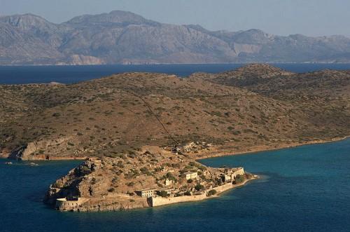Leprosería en el extremo de la isla de Spinalonga (Creta), donde estuvo exiliado el Santo.