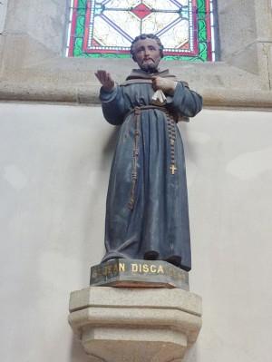 Escultura del Beato Juan Descalzo. Iglesia parroquia de Pleuven (Francia).