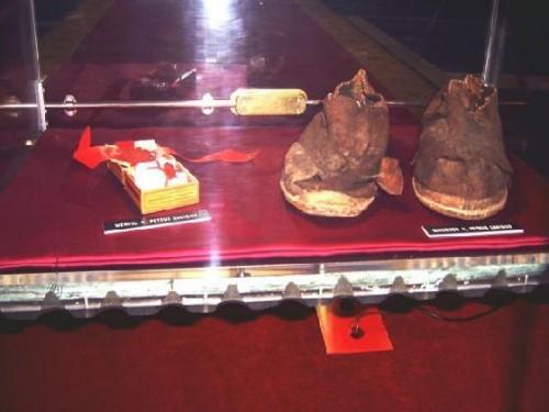 Reliquias del santo conservadas en Friburgo (Suiza).