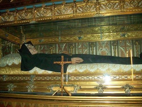 Urna de la santa en Valencia, España.