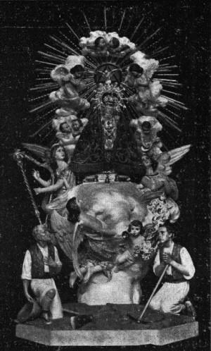 Vista de la imagen con la peana completa. Fotografía del cartel de su coronación, año 1915.