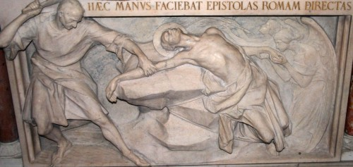 Relieve del martirio del santo. Iglesia de San Calimero, Milán (Italia).