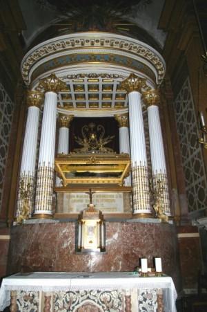 Altar-sepulcro del Santo. Iglesia de Montesión, Palma de Mallorca, España.