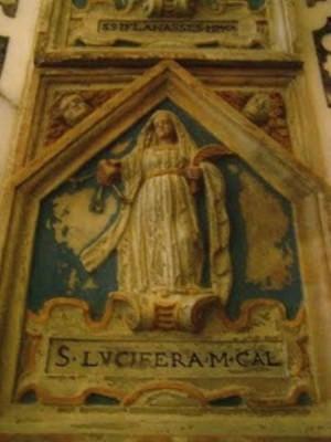 Nicho sepulcral que contiene las reliquias de Santa Lucífera, mártir, en la cripta de la catedral de Cagliari.