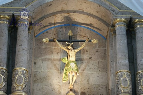 Otra vista de la imagen colocada en su altar.  Archivo de Peregrino Zapopano, órgano de difusión de la guardia de honor de Nuestra Señora de Zapopan.