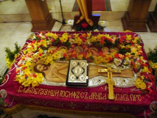 Detalle del sudario durante la celebración del Entierro de Cristo.