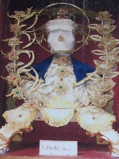 Detalle de las reliquias de San Probo.