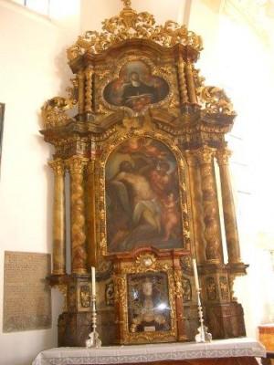 San Probo, mártir romano, venerado en este altar de Walderbach.