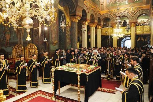 """""""Prohodul Domnului"""" (funeral del Señor) en el Patriarcado Rumano."""