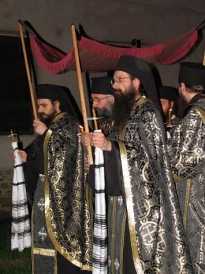 Procesión con el sudario durante el Funeral del Señor.