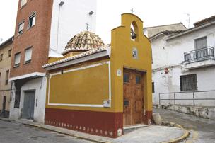 Vista de la minúscula ermita de la Virgen del Buen Suceso. Sagunto, Valencia (España).