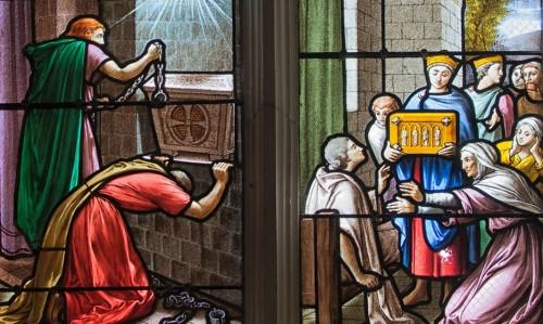 Milagros obrados por las reliquias de la Santa: prisioneros liberados y un muerto resucitado. Capilla de la Santa en Dargies, Francia.