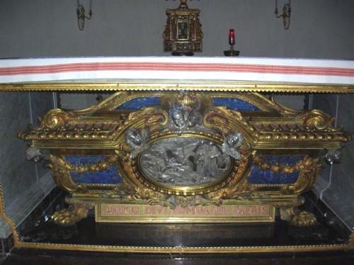 Urna del santo en Fabriano (Ancona), Italia.