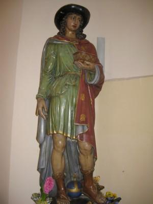 Escultura del santo conservada en Côtes d'Amour (Francia).