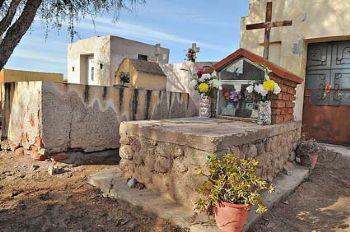 Sepulcro del siervo de Dios Wenceslao Pedernera en Sañogasta, La Rioja (Argentina).