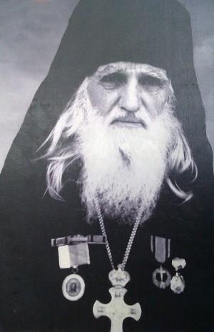 Fotografía del Santo en su atuendo de archimandrita.
