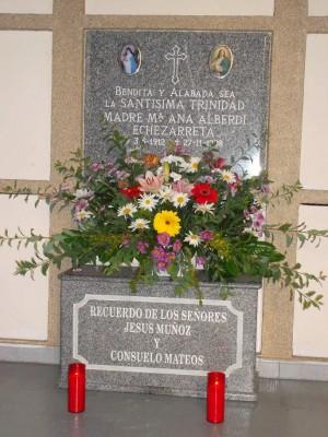 Antiguo sepulcro de la Sierva de Dios.