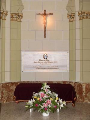 Día del traslado a la iglesia, lápida y restos mortales.