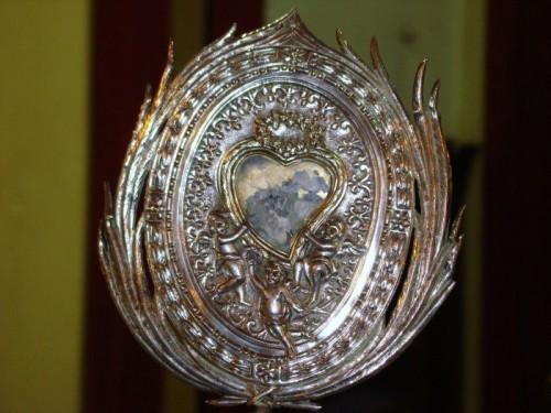 Relicario con el corazón de San Vito. Macchia di Giarre, Italia.