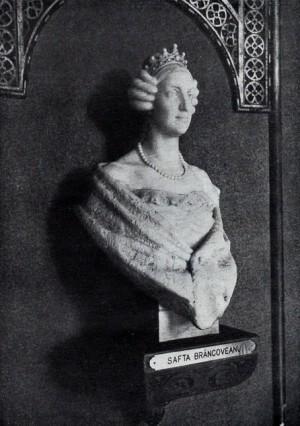 Busto de mármol de Safta Bracoveanu conservado en el hall del hospital.