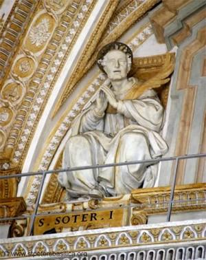 Escultura de San Sotero Papa. Basílica de San Pedro del Vaticano, Roma (Italia). Fuente: stpetersbasilica.org