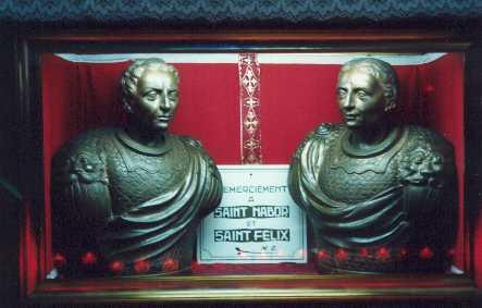 Bustos relicarios de plata que contiene los cráneos de los santos Nabor y Félix.