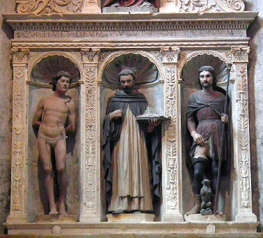 Altar mayor de la Iglesia de Santa Anastasia en Verona (aparecen San Sebastián, San Pedro y San Roque).