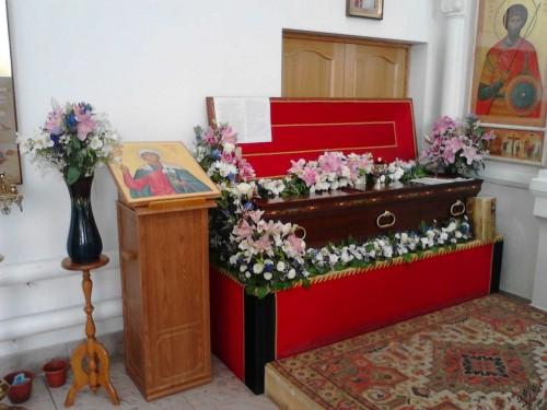Urna con el cuerpo incorrupto de la Santa. Iglesia de San Vladimir, Volgogrado (Rusia).
